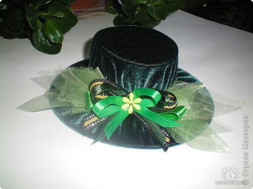 Игольницы с основанием из старых дисков - отличная идея! Хотя сами по себе шляпки могут быть и оригинальным подарком и украшением интерьера... фото 1