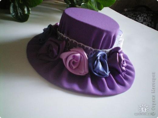 Игольницы с основанием из старых дисков - отличная идея! Хотя сами по себе шляпки могут быть и оригинальным подарком и украшением интерьера... фото 6
