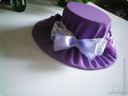 Игольницы с основанием из старых дисков - отличная идея! Хотя сами по себе шляпки могут быть и оригинальным подарком и украшением интерьера... фото 7