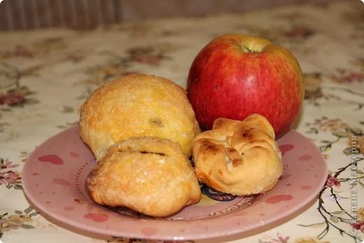 Вдохновением для данного МК стали несколько причин:  1.Грядущий праздник  2.Игра по скетчу  3.«Пропадающие» яблоки (летние сорта яблок лежать долго не хотят)  фото 1