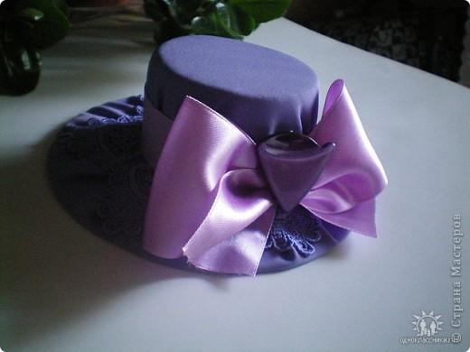Игольницы с основанием из старых дисков - отличная идея! Хотя сами по себе шляпки могут быть и оригинальным подарком и украшением интерьера... фото 12