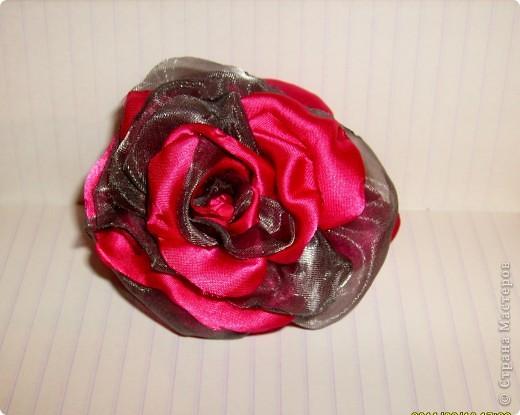 наконец то я решилась сделать такую розу !!!! все смотрела восхищалась работами наших мастериц, а сама как то побаивалась :) Но вот что получилось :) фото 1
