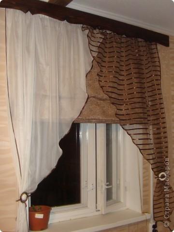 Вот такие получились шторы на кухню! Готовые варианты не подходили или по размеру или по цене. Тем более, что на кухне два окна, получалась очень круглая сумма. фото 5
