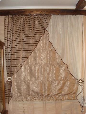 Вот такие получились шторы на кухню! Готовые варианты не подходили или по размеру или по цене. Тем более, что на кухне два окна, получалась очень круглая сумма. фото 4