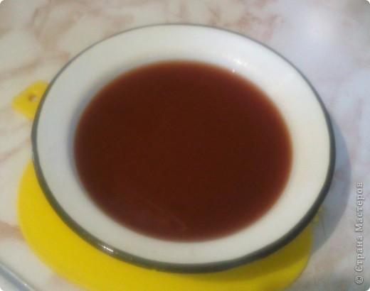 Мы называем это блюдо итальянской подливкой. Не знаю насколько она итальянская, но вкусная и сытная это точно. Готовится из доступных продуктов и самое главное очень быстро. Нам понадобится: фарш 500 гр. большая луковица 1 ст. ложка томатной пасты любой плавленый сырок  1 стакан воды соль,перец по вкусу фото 3