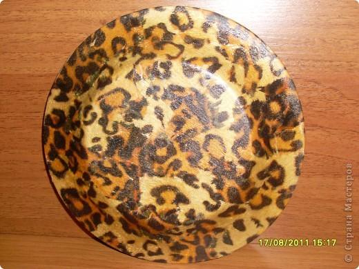Вот такая получилась у меня тарелочка к Дню рождения подруги (тарелка, фотография, салфетка, акриловые краски и лак). фото 3