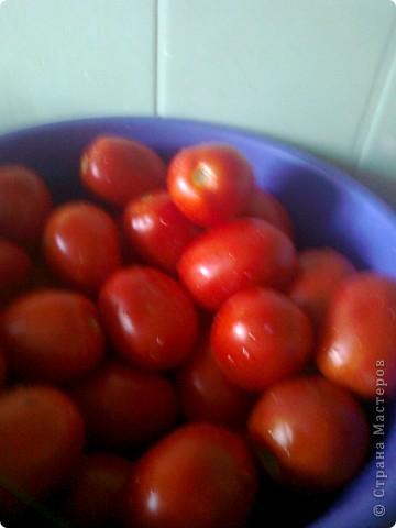 Итак моим помидорики в моем случае это сливки.Но желательно что б были круглинькие и тонкошкурые тогда быстрее процесс просаливания. фото 1