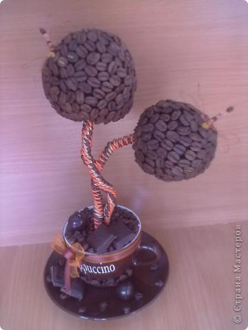 """Вот такое дерево я сделала в кафе """"шоколад"""", под цвет их интерьера, оранжево-шоколадный.за идею стрекозочек и переплетенных стволиков спасибо Светлане Лане. Вот такая вот повторюшка. еще дополнят в кафе 2 деревца только с одним шаром в таком же стиле, пока в процессе. фото 1"""
