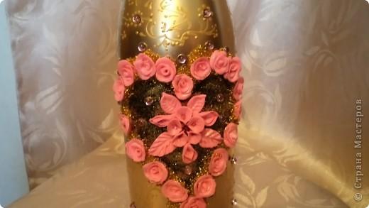 Заказали бутылочку в розовых тонах на золотом фоне молодым на годовщину свадьбы. Пойдут поздравлять свидетели.  фото 2