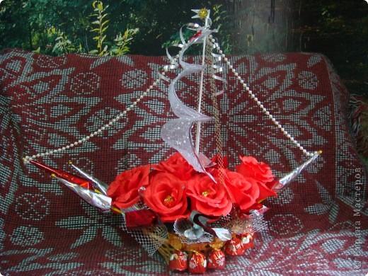 Вот и отправились в плавание мои первые кораблики.Красный кораблик - на свадьбу друзей. фото 1