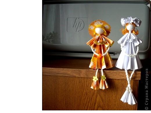 У Ирины (Sahalin) в блоге http://stranamasterov.ru/blog/3627  есть замечательные куколки-Аришки. Она научила нас делать их!  Перед вами -  мои Аришки. Они умеют сидеть... фото 6