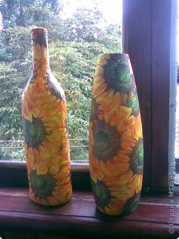 Бутылочка моя первая и вот для парочки получилась вазочка.Ваза пока без лака      Парочка пойдет в подарок