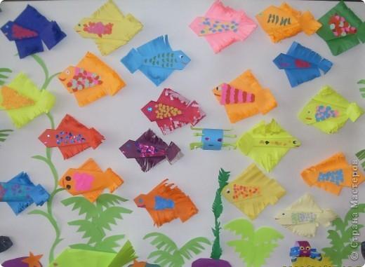 За один урок второклассники создали аквариум с прекрасными рыбками...