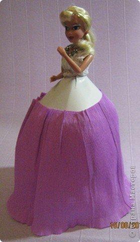 Хочу Вам описать как делаю куклы из конфет, вернее их платья. Так получилось, что на этот раз я делала две куклы параллельно и такой же получился и МК. фото 15