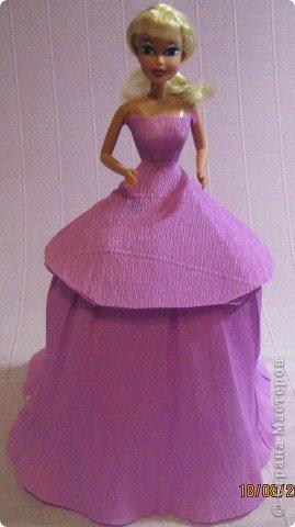 Хочу Вам описать как делаю куклы из конфет, вернее их платья. Так получилось, что на этот раз я делала две куклы параллельно и такой же получился и МК. фото 16