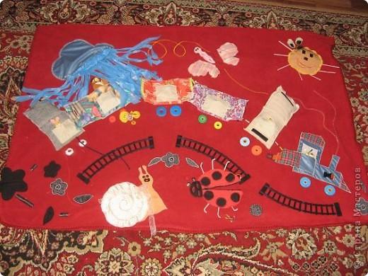 Вот и я,наконец, сшила развивающий коврик своим мальчишкам. Спасибо, большое за вдохновление Хвостики http://stranamasterov.ru/user/31099 и Дюй http://stranamasterov.ru/user/68700  фото 22