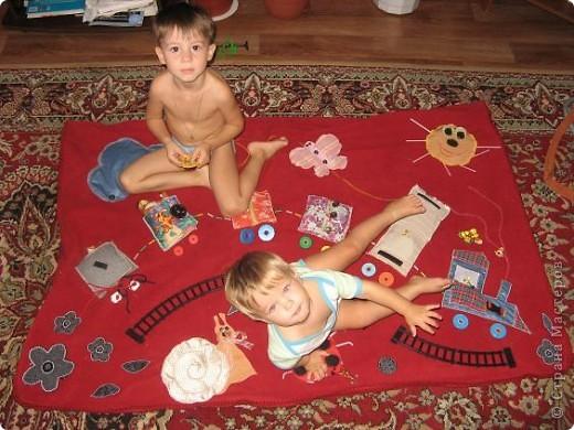Вот и я,наконец, сшила развивающий коврик своим мальчишкам. Спасибо, большое за вдохновление Хвостики http://stranamasterov.ru/user/31099 и Дюй http://stranamasterov.ru/user/68700  фото 23