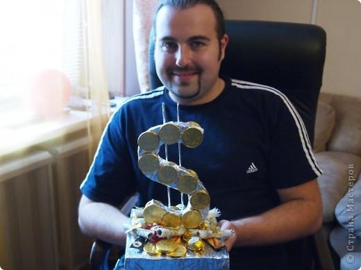 Вот такой вот подарок был подготовлен брату - конфетно-денежный :) фото 1