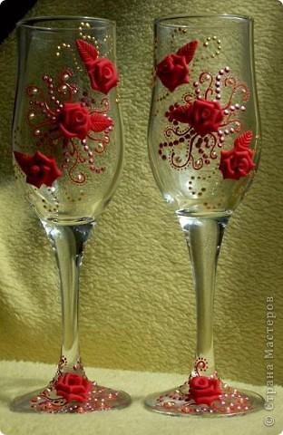 Здравствуйте!!! Эта пара яркая, но...форма бокала неудачна и листочки красные тут ни к чему. Но все равно хороши)))))))) фото 1