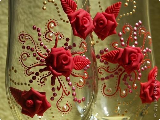Здравствуйте!!! Эта пара яркая, но...форма бокала неудачна и листочки красные тут ни к чему. Но все равно хороши)))))))) фото 2