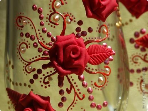 Здравствуйте!!! Эта пара яркая, но...форма бокала неудачна и листочки красные тут ни к чему. Но все равно хороши)))))))) фото 3