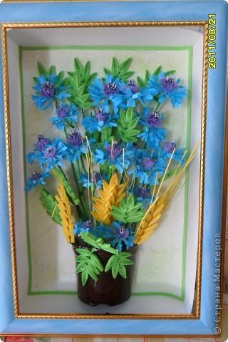 Сегодня я к вам с васильками от Натальи! Делала эту работу во время отдыха на море, в подарок близкому человеку.    фото 5