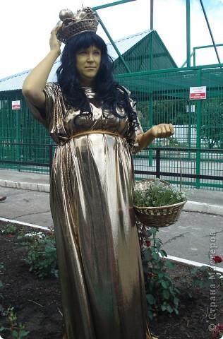 """В прошедший выходной в городском парке """"Лесная сказка"""" проходила демонстрация живых скульптур. Приглашаю и вас, жители страны, прогуляться по нашему парку. Юная гречанка. фото 4"""