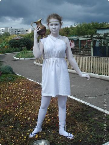 """В прошедший выходной в городском парке """"Лесная сказка"""" проходила демонстрация живых скульптур. Приглашаю и вас, жители страны, прогуляться по нашему парку. Юная гречанка. фото 1"""
