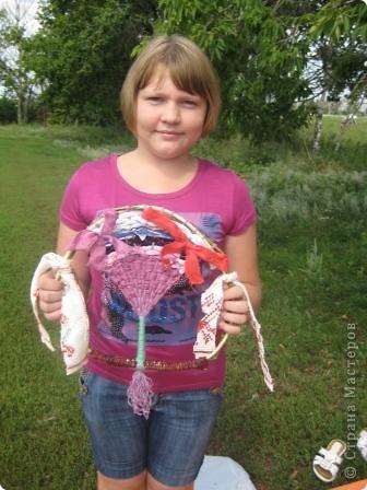 Мы сегодня занимались плетением на веточках. Но прежде нужно заготовить веточки... Отправились к нашему любимому пруду... фото 17