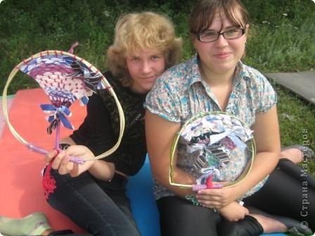 Мы сегодня занимались плетением на веточках. Но прежде нужно заготовить веточки... Отправились к нашему любимому пруду... фото 21