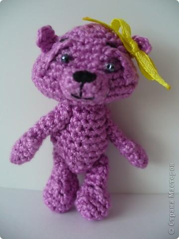 Вот такого медвежонка связала мне моя мама, описание брала здесь - http://www.liveinternet.ru/community/3411565/post112670180/ фото 5
