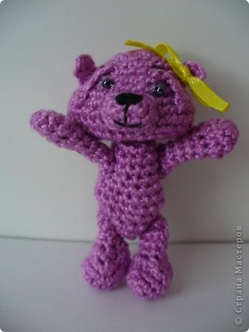 Вот такого медвежонка связала мне моя мама, описание брала здесь - http://www.liveinternet.ru/community/3411565/post112670180/ фото 3