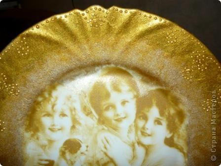 "Очень понравилась салфеточка с птицами. Рисунок обвела контуром. По краям краска ""Металлик"":золото и бронза. фото 11"