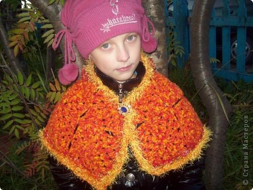 """Как только я прочитала в блоге у Ирины Голубки о новой игре,то сразу начала вязать квадратики. И вот такой немного кривоватый, немного косоватый """"Осенний багрянец"""" у меня получился!!! Но он мне очень нравится!!!!!!!!!!!!!!!!!!!!!!!!!! фото 5"""