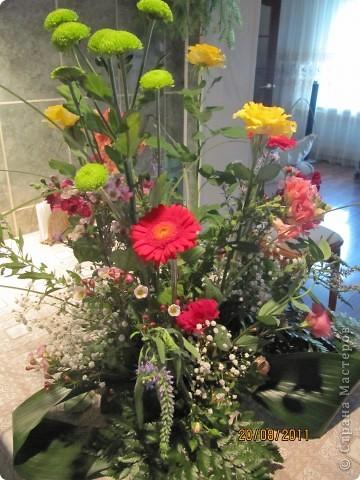 Мой первый в жизни букет из живых цветов. На День Рождение мамы моего знакомого.  фото 2