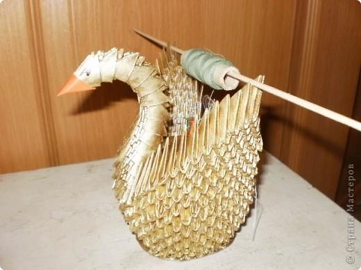 Надоело делать просто лебедей,решила поиграть и сделала лебедя-игольницу. фото 3