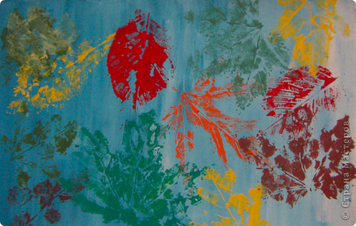 Кленовые листья на бумаге фото 2