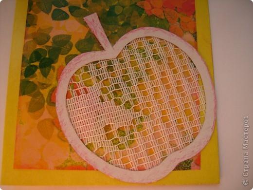 Это моя 3 открытка по скетчу. Здесь яблочко не золотое, а ... фото 2
