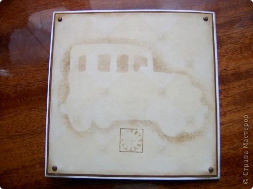 Открытки делала для родителей. Сразу не показывала - лето, отдых... ))) Это открытка для папы. Поскольку он автомобилист - очень любит машины, долгое время работал водителем, поэтому в открытке есть элементы, связанные с машинами. фото 3