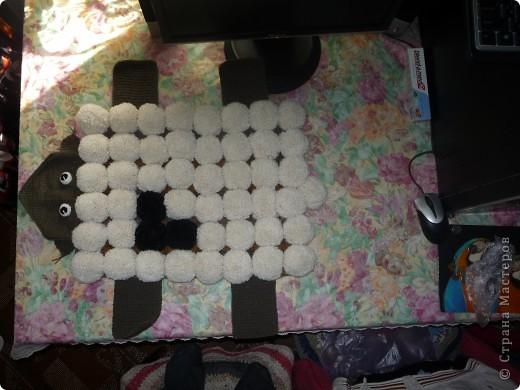 Вот наконец-то выкладываю свой коврик. Делала его для племянника Ванечки (1 год 9 месяцев), ребенок был очень рад. фото 3