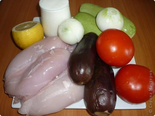 Решила разнообразить приготовление куриного филе..Готовила его всегда отдельно от овощей.а тут увидела на одном из сайтов вот такой рецепт.Очень понравился и процесс приготовления и сам результат.Может кому то тоже понравиться) фото 2
