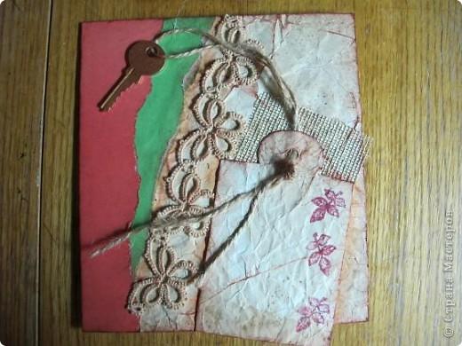 """Хочется назвать эту открытку - """"Воспоминания далеких дней"""". Всё, что осталось от любимого - кусочек открытки с анютиными глазками... И она хранит этот кусочек в рамочке, украшая всем, что связано с ее молодостью...... фото 10"""