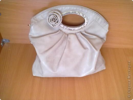 Вот такая у меня есть сумочка. на которую я решила сделать розочку. фото 1