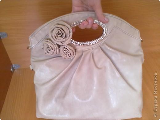 Вот такая у меня есть сумочка. на которую я решила сделать розочку. фото 6