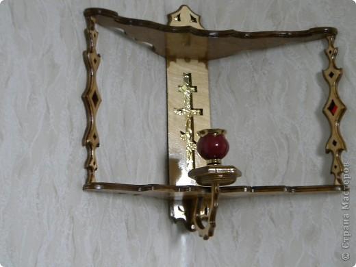полочка угловая с лампадкой фото 24