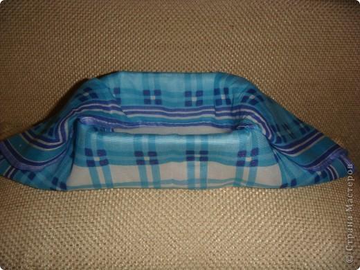 Эту корзиночку я сделала в Подмосковье, используя некоторые мамины запасы, для Alteret Art (http://altered-art.blogspot.com/). А идею подхватила у Ликмы http://stranamasterov.ru/node/8371?c=favorite  фото 5