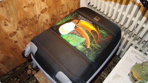 """Роспись чемодана """"Африка"""" акрилом и контурами фото 4"""