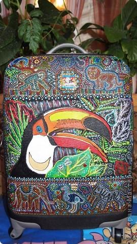 """Роспись чемодана """"Африка"""" акрилом и контурами фото 17"""