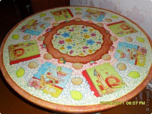 Преображение кухонного стола, с использованием скорлупы яичной и декупажных салфеток фото 1