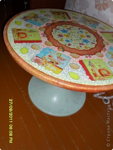 Преображение кухонного стола, с использованием скорлупы яичной и декупажных салфеток фото 2